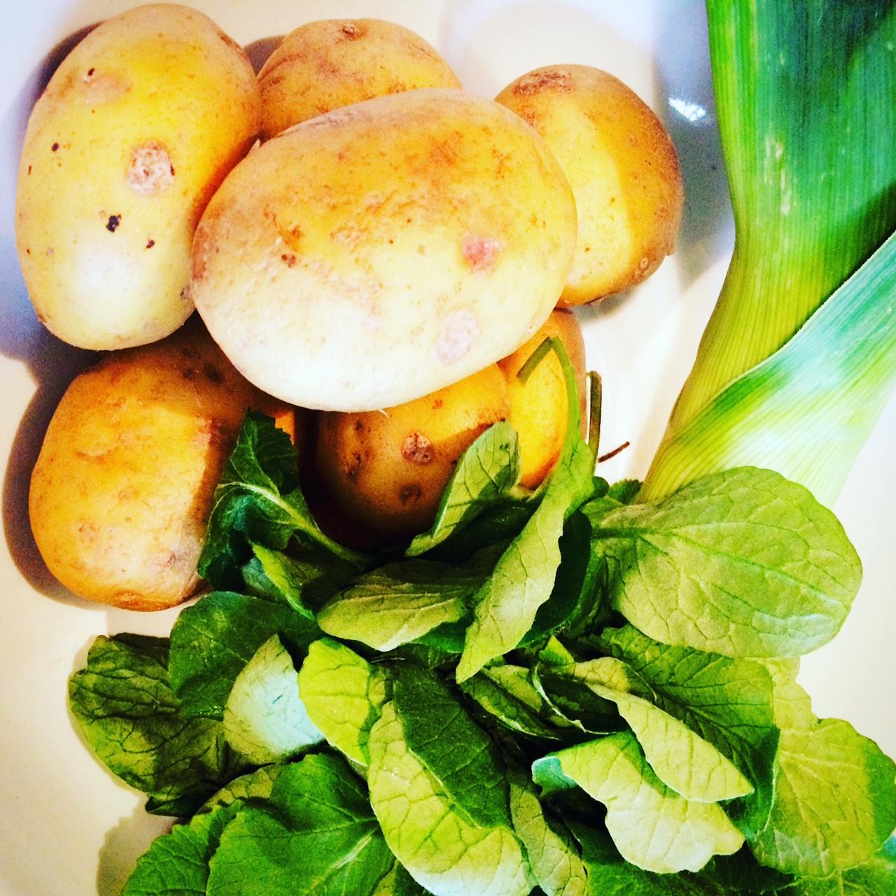 Recept: Parijse soep met radijzenblaadjes