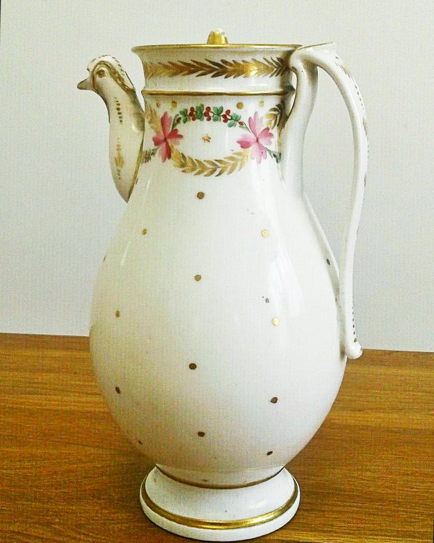 Vondst: cafetière van porcelaine de Paris