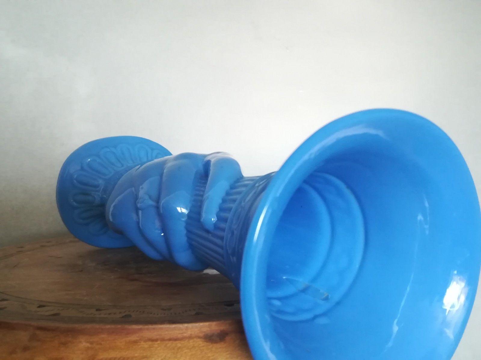 Vondst: blauw antiek handenvaasje